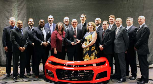Magna won an Innovation Award from the Society of Plastics Engineers for its unique process of laser cutting and welding front and rear fascias for the 2017 Chevrolet Camaro ZL1. Magna received the top award in the Process/Assembly/Enabling Technologies category at SPE's Automotive Division 2016 Innovation Awards Competition & Gala on Nov. 9 in Livonia, Mich. (PRNewsFoto/Magna International Inc.)
